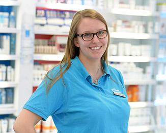 PTA-Praktikantin Wiebke Bramstedt - Beratung und Verkauf, individuelle Rezepturen, Labor, Pflegehilfsmittel